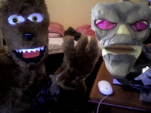loco lobo puppet and alien